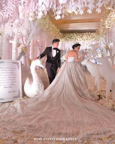Indonesian actor and actress Glenn Alinskie and Chelsea Olivia Wijaya just had their dream come true in With the bride in a bespoke. Wedding Scene, Wedding Ceremony, Wedding Church, Table Wedding, Party Wedding, Reception, Wedding Goals, Wedding Shit, Wedding Makeup