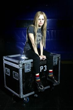 Mick Huston (Set 1) - 11 - AvrilPix Gallery - The best image, picture and photo gallery about Avril Lavigne - AvrilSpain.Com