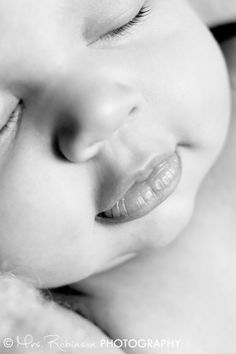 Newborn Photo | Mrs. Robinson Photography