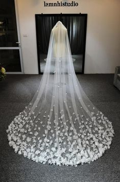 flower veil/l Wedding Veil/White Veil/ One Tier Flower Veil, Custom Veil, Cathedral Wedding # Weddings veils Find Out Who's Concerned About Wedding Veils And Why You Should Pay Attention 58 - pecansthomede Long Sleeve Wedding, Wedding Dress Sleeves, Wedding Gowns, Bridal Veils, Wedding Tiara Veil, Vail Wedding, Wedding Garters, Wedding Themes, Boho Wedding