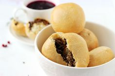Bułeczki z pieczarkami do barszczu | Blog kulinarny Zakochane w Zupach.pl