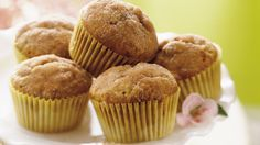 Betty Crocker's Heart Healthy Cookbook shares a recipe! Looking for a hearty snack? Then check out these muffins made using oats, carrots and zucchini - a wholesome snack. Banana Muffin Recipe Easy, Muffin Recipes, Cinnamon Muffins, Banana Cinnamon, Banana Bread, Cinnamon Cupcakes, Raisin Muffins, Cinnamon Oil, Cinnamon Butter