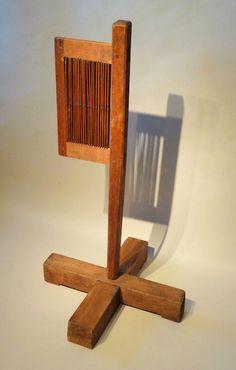 18th c. Standing tape loom