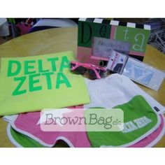 Delta Zeta Bid Day Packages available in stores or online today! Bid Day Gifts, Delta Zeta, Brown Bags, Online Gifts, Sorority, Beach Mat, Outdoor Blanket, Packaging, Paper Bags