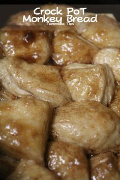 Crock Pot Monkey Bread @Nicole Novembrino Novembrino Bell-Moye should I make this for thanksgiving morning