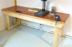 Building a garage work bench workbench plans diy workbench from woodgears how to build a professional Woodworking Diy Workbench, Building A Workbench, Workbench Top, Woodworking Projects, Workbench Ideas, Workbench Organization, Workbench Drawers, Industrial Workbench, Workbench Designs