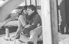 Lichtmädchen Fotografie | Pärchen, couple, Portrait, Paarshooting, in love, verliebt, See, outdoor, Winter, Picknick, Tee, tea, cuddling, black and white, schwarzweiß