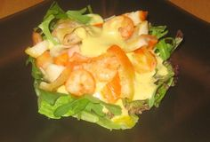 Ensalada de rúcula y cangrejo a la vinag. de aguacate