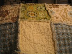 Raggy Baby Quilt from Minky, chenille and Flannel.  http://mamacatbluequilts.blogspot.com/search/label/Raggy%20Quilt