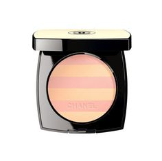 Beauté : la poudre pour le teint Belle Mine du maquillage Chanel, en version marinière http://www.vogue.fr/beaute/buzz-du-jour/diaporama/la-poudre-marinire-de-chanel/20870