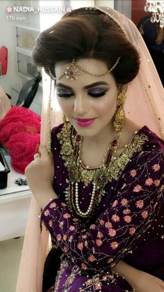 Pin by Julia Akter on Asian Bridal Wedding Looks in 2019 Pakistani Bridal Makeup, Pakistani Wedding Outfits, Pakistani Dresses, Bridal Photoshoot, Asian Bridal, Bride Look, Bridal Photography, Bridal Beauty, Wedding Looks