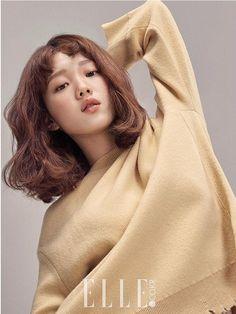 Lee Sung Kyung in Elle Korea February 2017 Lee Sung Kyung, Korean Star, Korean Girl, Asian Girl, Elle Magazine, Korean Actresses, Korean Actors, Weightlifting Fairy Kim Bok Joo, Joo Hyuk