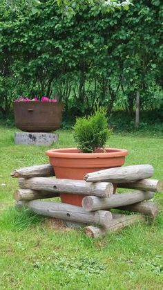 Heinäseipäät Outdoor Spaces, Outdoor Decor, Flower Show, Diy Patio, Garden Art, Gardens, Cottage, Flowers, Home Decor