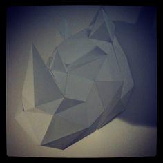 #tropheedechasse #rhinoceros #doityourself #tropheeanimal #decorationchambre #enfant #decorationbureau #origami ! Tutoriel disponible et en vente sur www.les-esthetes.com 35€