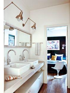 BAÑO DOBLE - Este espacio privado en un piso de Barcelona está decorado con mucho gusto. Interior Design Inspiration, Bathroom Inspiration, Bathroom Interior Design, Interior Decorating, Decorating Ideas, Fresh Living Room, Barcelona Apartment, Decoration, Living Room Designs