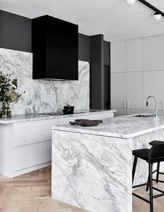 Awesome inspiring ideas in terms of home improvment. home improvement keywords. Home decor. Modern Kitchen Design, Interior Design Kitchen, Modern Interior, Marble Interior, Luxury Interior, Australian Interior Design, Interior Design Awards, Farmhouse Style Kitchen, Modern Farmhouse Kitchens