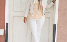 Hoje tem Branco total lá no blog, post da nossa colunista fashion Camila Cavalcant @estiloaqualquercusto.  Vem conferir!! ;)  http://blogdajeu.com.br/branco-total-street-style/  #brancototal #totalwhite #lookdodia #estilo #estiloaqualquercusto #moda #fashion