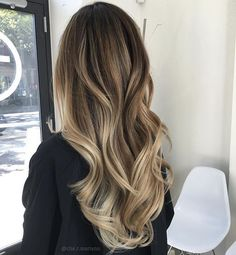 Want to upgrade your hair color? Then you need to try a balayage. Here, 20 gorgeous balayage hair looks that will inspire your next salon visit. Brown Hair With Blonde Highlights, Hair Highlights, Brown Hair With Blonde Ombre, Sandy Brown Hair, Golden Blonde, Brown Hair Colors, Golden Brown, Dark Brown, Long Brunette Hair