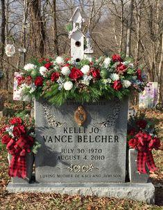 Christmas grave saddle made for my sister. Christmas Themes, Christmas Wreaths, Xmas, Holiday Decor, Graveside Decorations, Cemetary Decorations, Cemetery Headstones, Saddles, Jingle Bells