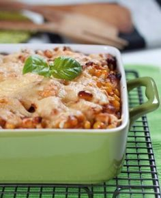 Casserole with rice and chicken European Dishes, Chicken Gyros, Chicken Rice, Polish Recipes, Polish Food, Rice Casserole, Cheeseburger Chowder, Macaroni And Cheese, Risotto
