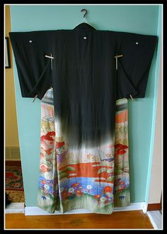 Beautiful! Some kimono I would wear, some I would just admire. This one I would hang and admire.