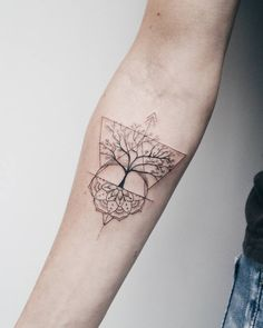 The Effective Pictures We Offer You About tiny tattoo A quality picture can tell you many things. Grandma Tattoos, Mom Daughter Tattoos, Mother Tattoos, Tattoos For Daughters, Dot Tattoos, Trendy Tattoos, Small Tattoos, Matching Family Tattoos, Matching Best Friend Tattoos