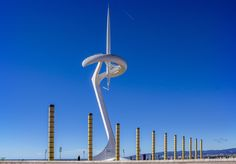 Barcelona, Torre Calatrava | One can see the Calatrava tower from anywhere in Barcelona. It is the telecommunications tower and the symbol of the Barcelona Olympic Games (1982) according to its creator Santiago Calatrava of the XXI century. Pointing towards the sky, it opens the way to new galaxies.