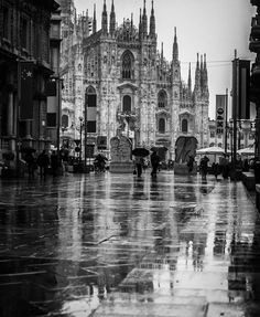 A rainy day in Piazza Duomo, Milan  #WonderfulExpo #WonderfulMilan