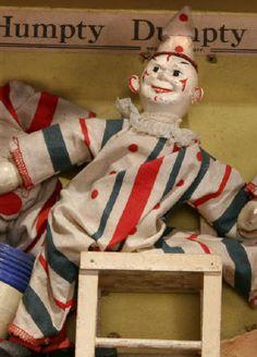 A Schoenhut Clown. Vintage Circus, Vintage Dolls, Clowning Around, Creepy Things, Clowns, Safari, Christmas Ornaments, Toys, Antiques