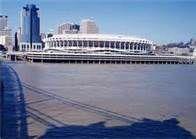 riverfront stadium - Cincinnati.