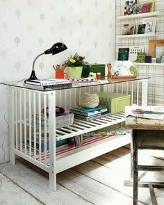 Reuse, Recycle - Other uses for a CRIB - Upcycle to a Storage-Organizer/Console Table - how cool is this ~~~> Link d/n work, for me. Handmade Furniture, Repurposed Furniture, Home Furniture, Furniture Storage, Table En Bois Diy, Diy Table, Old Rocking Chairs, Old Cribs, Do It Yourself Furniture