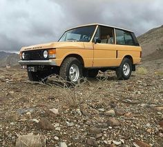 Honk if you love this #suffixf #rangeroverclassic2dr of @never_different #landrover #rangerover #landroverphotoalbum @landrover @landrover_uk