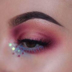 Venus  + reflective stars = perfection  Shop on limecrime.com Eye look via @tatianaroseart #limecrime #venus