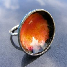 I handmade this eyecatching enamel and silver bowl ring when I was in a real frivolous mood I love statement rings and this one in a mixture of pinks oranges Yoga Jewelry, Jewelry Art, Jewelry Design, 18k Gold Jewelry, Enamel Jewelry, Enamel Rings, Metal Jewelry Making, Silver Stacking Rings, Contemporary Jewellery