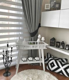 Derya Hanım-ın Modern Stilde Uyumlu ve Zevkli Evi- My Living Room, Living Room Furniture, Modern Furniture, Living Room Decor, Home Furniture, Living Spaces, Modern Curtains, Decoration Table, Home Decor Styles