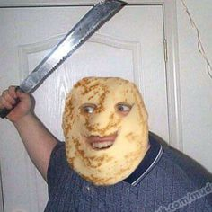 pancak man wit machete wants to put ketchup on youse spaggeti<< that comment tho! Reaction Pictures, Funny Pictures, Dank Pictures, Haha Funny, Hilarious, Dankest Memes, Funny Memes, Deadpool, Quality Memes