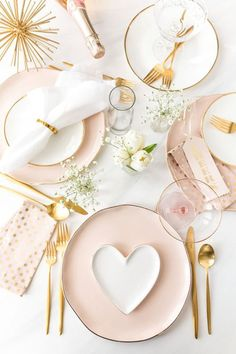 Blush Pink + Gold TableScape Inspiration for a wedding, Valentine's Day party or. Blush Pink + Gold TableScape Inspiration for a wedding, Valentine's Day party or – deko selbst Valentines Day Tablescapes, Valentines Day Decorations, Valentines Day Party, Wedding Decorations, Decor Wedding, Homemade Valentines, Wedding Ideas, Valentine Table Decor, Valentine Food Ideas