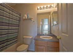 ColoProperty.com IRES MLS# 748108 - Upstairs Bathroom