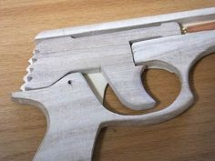 Easy Woodworking Projects, Diy Wood Projects, Wood Crafts, Happy Birthday Decor, Rubber Band Gun, Marble Machine, Wood Toys Plans, Modelos 3d, Fun Diy Crafts