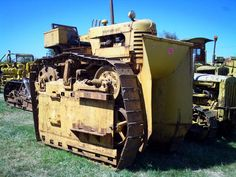 Tall Cat by Commander Cody Old Farm Equipment, Mining Equipment, Heavy Equipment, Small Tractors, Old Tractors, Antique Tractors, Vintage Tractors, Caterpillar Equipment, New Tractor