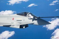 A.M.I. eurofighter in rifornimento