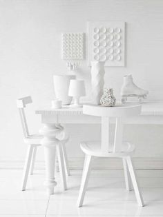 Off white, all white, pristine and sleek dining room design / chairs / white / deco / home / style White Now, All White, Pure White, White Light, Snow White, Art Blanc, Blanco White, Tutorial Diy, Casa Clean
