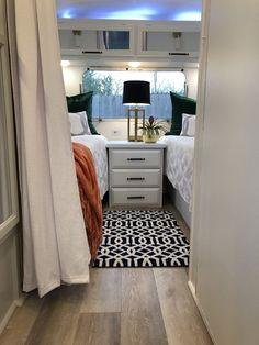 Van Living, Tiny House Living, Travel Trailer Decor, Travel Trailers, Vanz, Rv Interior, Camper Makeover, Remodeled Campers, Camping Car