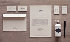 Lev i Nuet - Corporate Identity by Nicki van Roon, via Behance