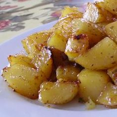 Honey Roasted Red Potatoes 1 lb quartered red potatoes, 2 T melted butter, 3 T honey, 1 tsp ground mustard, 1 T dried chopped onions. 375 for 30 min. Awesome!!!