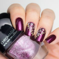 L.O.V Sparkling Berry Nagellack mit Lina Nail Art Supplies Schneeflocken Stamping - Winter Nageldesign Idee
