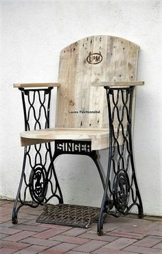 DIY Ideas for Pallet Furniture Projects and Plans. on Wood Pallet Furniture… Woodworking, Decor, Furniture Diy, Repurposed Furniture, Sewing Table, Furniture Projects, Wood Projects, Redo Furniture, Pallet Chair