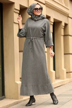 The perfect addition to any Muslimah outfit, shop Muslim fashion Nayla Collection Smoke Color Hijab Dress . Find more dresses at Tesetturisland! Muslim Fashion, Modest Fashion, Hijab Fashion, Fashion Outfits, Hijab Outfit, Hijab Dress, Hijab Stile, Modele Hijab, Hijab Chic