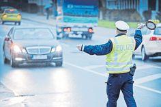 Fahnder melden erste Erfolge bei der Tätersuche -  Polizei-Razzia gegen Einbrecher