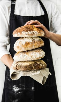 Juurileivonta: tee juuri, hoida sitä ja leivo ihania herkkuja | Maku Bread Recipes, Cooking Recipes, Savory Pastry, Our Daily Bread, Bread Baking, No Bake Cake, Hot Dog Buns, Baked Goods, Bakery